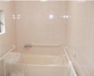 ご家庭のお風呂と同じ(個浴)でゆったりと温まってください。